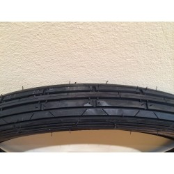 Neumático 2.75x19 del. Rayado